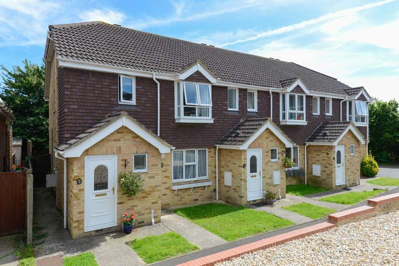 2 Bedrooms Maisonette Flat for sale in Highridge Close, Maidstone, ME14
