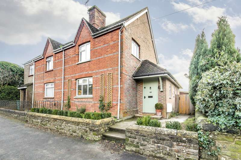 2 Bedrooms House for sale in Lower Street, Pulborough, RH20