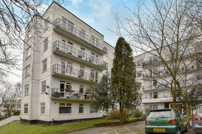 3 Bedrooms Flat for sale in Forest Croft, Taymount Rise, Forest Hill, SE23