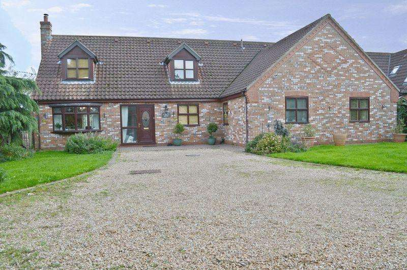 4 Bedrooms Detached House for sale in Main Street, Torksey