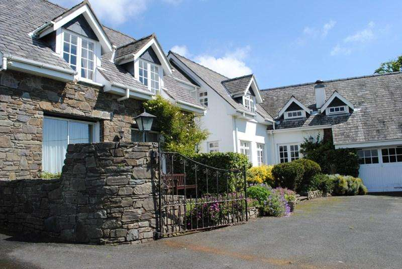 4 Bedrooms Detached House for sale in Erin House, Surby Road, Surby, Port Erin, IM9 6TA