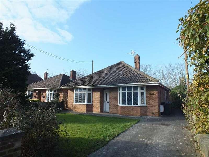3 Bedrooms Detached Bungalow for sale in Silver Street Lane, Trowbridge, Wiltshire, BA14