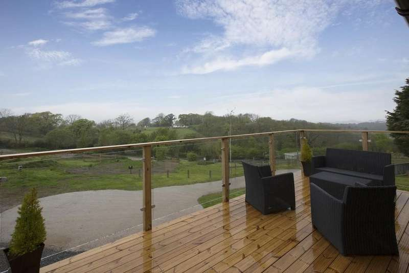 2 Bedrooms Detached Bungalow for sale in Moorland Views, East Ogwell