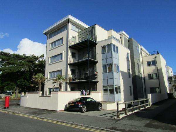 2 Bedrooms Flat for sale in Owls Road , Boscombe Spa