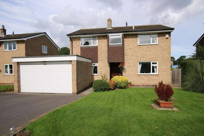 4 Bedrooms Detached House for sale in Stillwell Drive, Wakefield