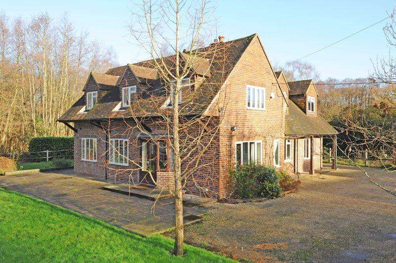 4 Bedrooms Detached House for rent in Westbrook Hill, Godalming