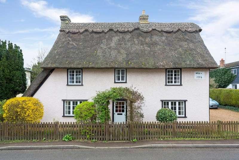 3 Bedrooms Cottage House for sale in High Street, GUILDEN MORDEN, SG8