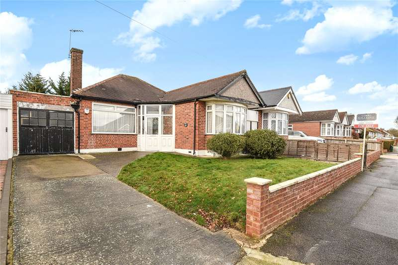 2 Bedrooms Detached Bungalow for sale in Willow Grove, Ruislip, Middlesex, HA4