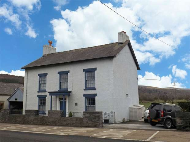 5 Bedrooms Detached House for sale in Tyn Y Cefn, Corwen, Denbighshire