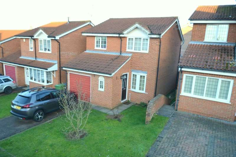 3 Bedrooms Detached House for sale in Haddon Close, Wellingborough, NN8
