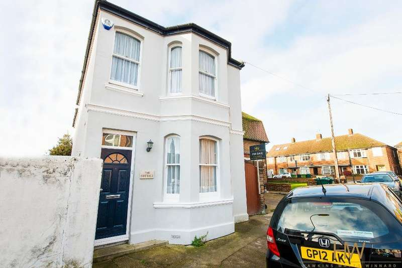 3 Bedrooms Detached House for sale in Sheridan Terrace, Hove, East Sussex, BN3 5AH