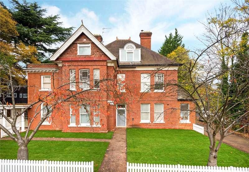 3 Bedrooms Flat for sale in Leverton, St. Georges Avenue, Weybridge, Surrey, KT13