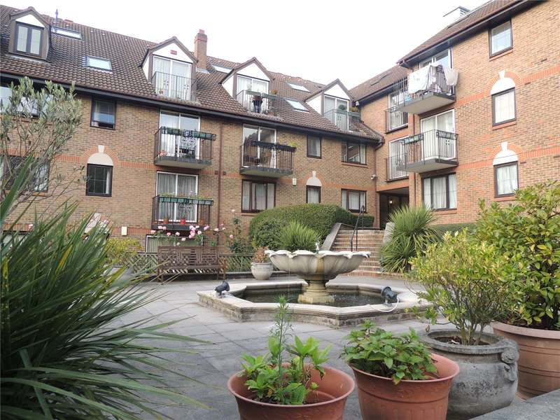 3 Bedrooms Apartment Flat for rent in French Apartments, Lansdowne Road, Purley