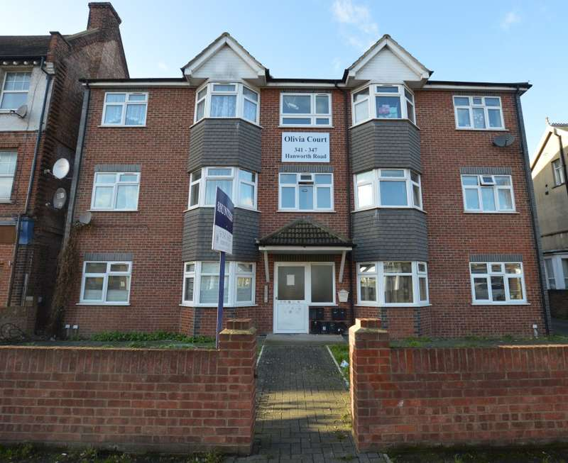 1 Bedroom Ground Flat for sale in Olivia Court, Hanworth Road, Hounslow, Middlesex, TW3 3SE