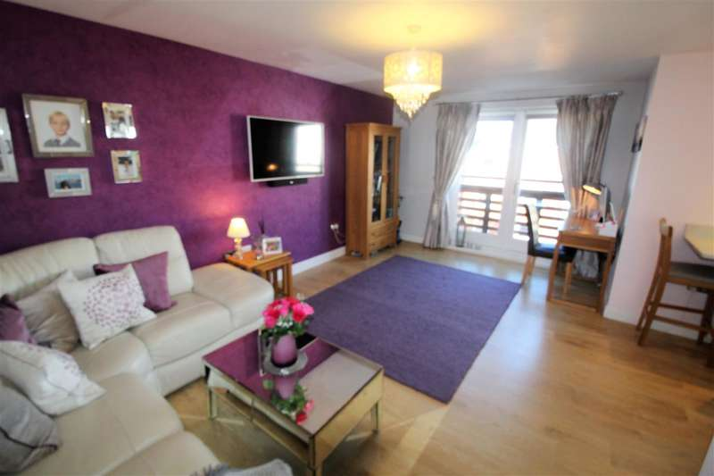 2 Bedrooms Apartment Flat for sale in Isham Place, Ipswich