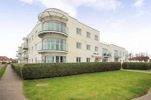 2 Bedrooms Flat for sale in Broadmark Lane, Rustington, Littlehampton, West Sussex