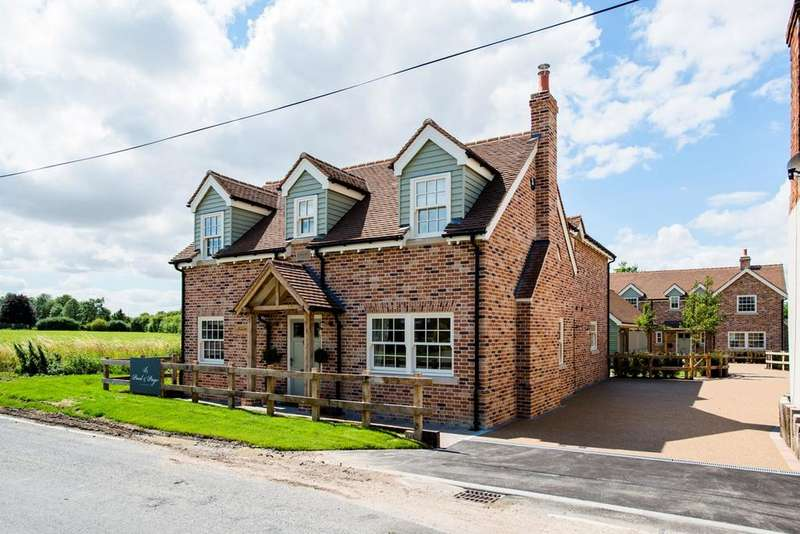 4 Bedrooms Detached House for sale in Potton Road, Guilden Morden, Royston, SG8