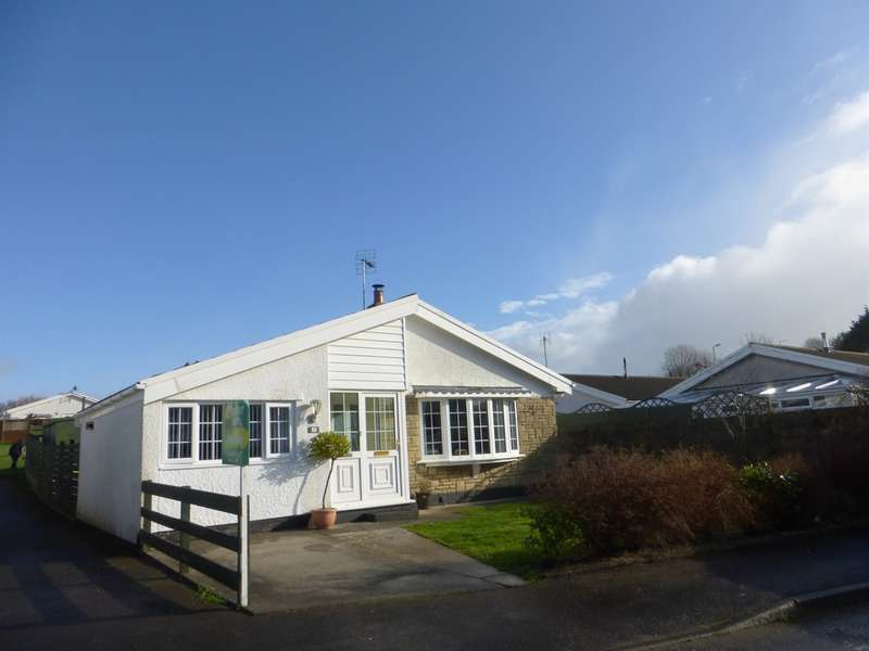 3 Bedrooms Detached Bungalow for sale in Trenos Gardens, Bryncae, Pontyclun