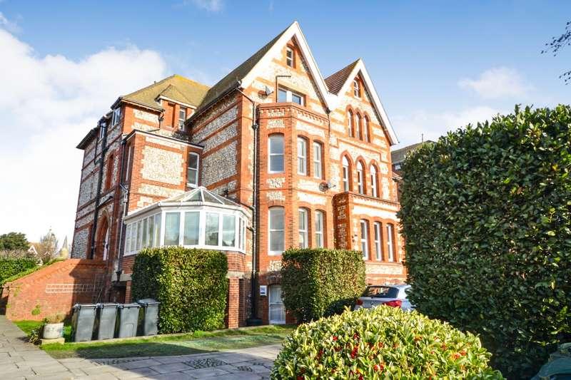3 Bedrooms Flat for sale in Grange Gardens, Blackwater Road, Eastbourne, BN20