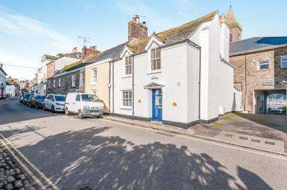 3 Bedrooms End Of Terrace House for sale in Penzance, Cornwall, .