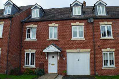 House for sale in Horner Avenue, Fradley, Lichfield, Staffordshire