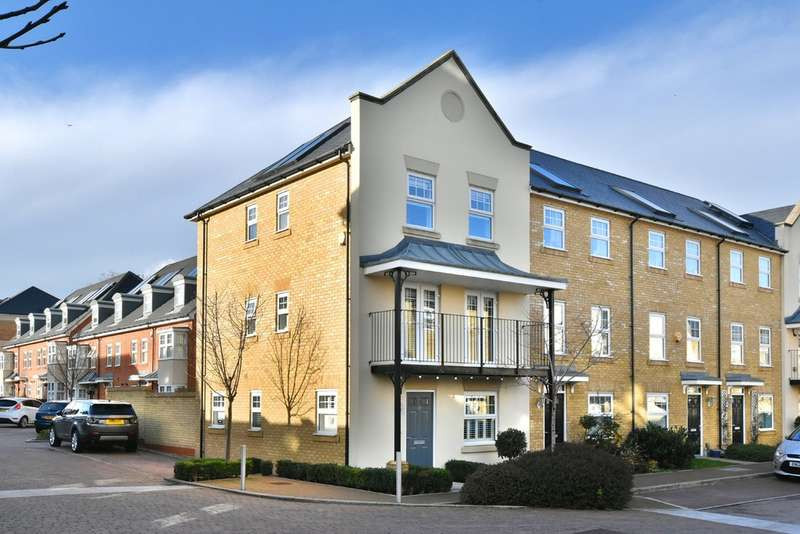 3 Bedrooms Town House for sale in Renwick Drive, Bromley