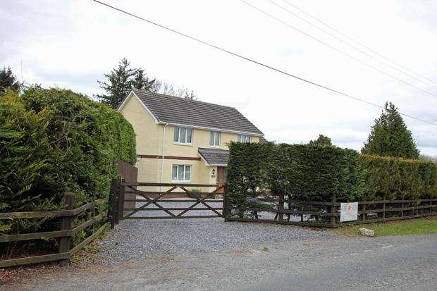 4 Bedrooms Detached House for sale in Rhos, Llandysul, Carmarthenshire