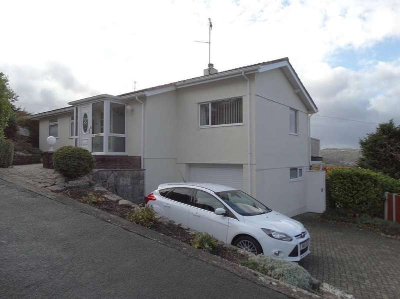 3 Bedrooms Detached Bungalow for sale in 4 Plas Gwilym, Old Colwyn, LL29 9HD