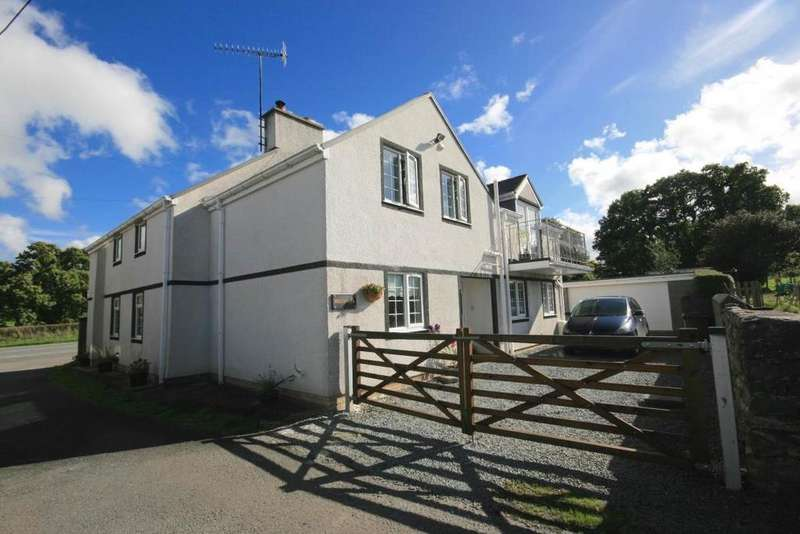 5 Bedrooms Detached House for sale in Preswylfa, Tyn y Groes, LL32 8SR