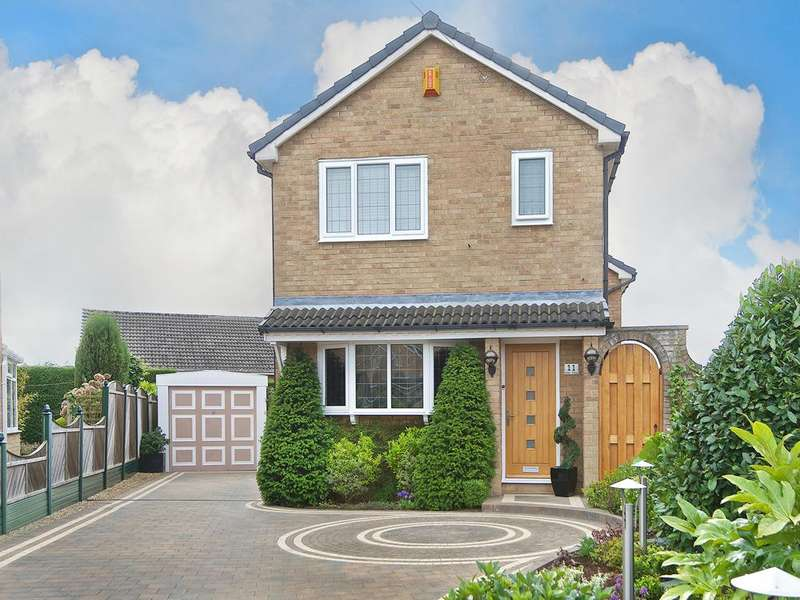 4 Bedrooms Detached House for sale in Elder Close Birstall WF17 0DD