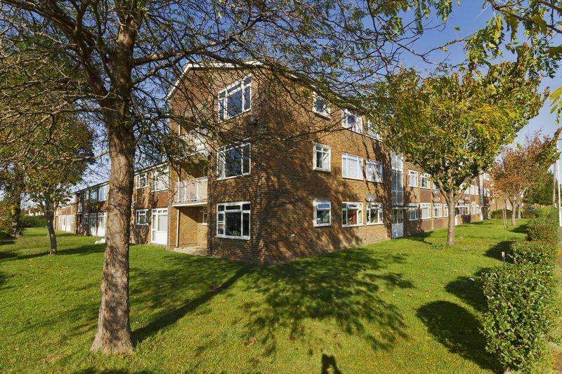 2 Bedrooms Apartment Flat for sale in Angola Road, Worthing