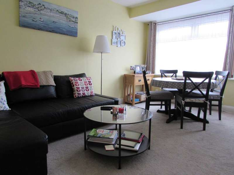 2 Bedrooms Maisonette Flat for sale in District Road, Wembley HA0