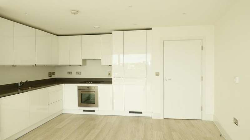 2 Bedrooms Flat for sale in Abbottsford Court, Lakeside Drive, Park Royal, NW10