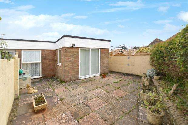 2 Bedrooms Terraced Bungalow for sale in Marina Close, Brixham, Devon