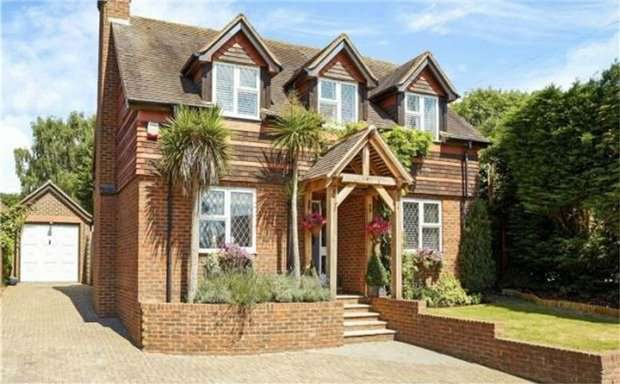 3 Bedrooms Detached House for sale in Hilltop, Basted Lane, CROUCH, SEVENOAKS, Kent