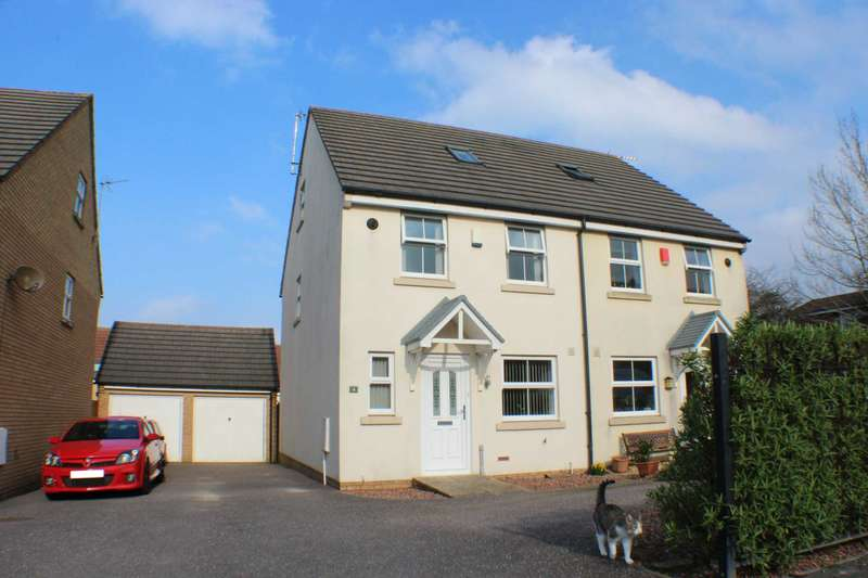 3 Bedrooms Semi Detached House for sale in Fulford Close, Bideford