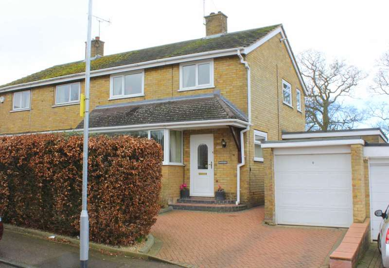 3 Bedrooms Semi Detached House for sale in EXTENDED with COUNTRY SIDE VIEWS, GARAGE, DRIVEWAY in HP1