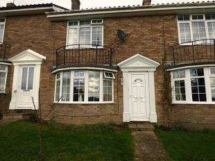 2 Bedrooms Terraced House for sale in Larnach Close, Uckfield, East Sussex, Uk