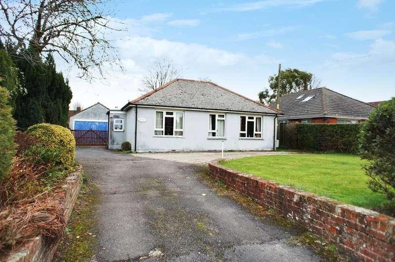 3 Bedrooms Bungalow for sale in Hill Road, Oakley, Hants, RG23 7JJ