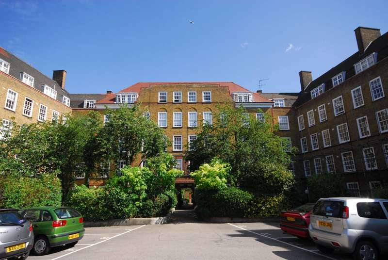 3 Bedrooms Flat for sale in Vicarage Crescent, Battersea Square, SW11