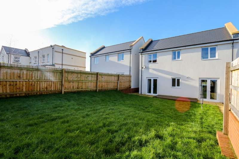 3 Bedrooms Detached House for sale in Younghayes Road, Cranbrook