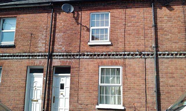 2 Bedrooms Terraced House for sale in Stanley Street, Reading RG1