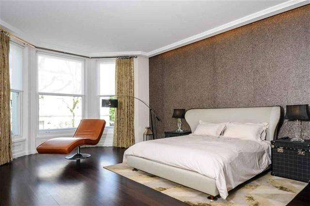 5 Bedrooms Flat for rent in W3