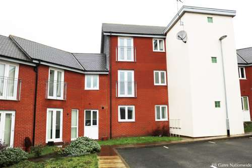 2 Bedrooms Flat for sale in Woodbank View, Burslem, Stoke on trent ST6