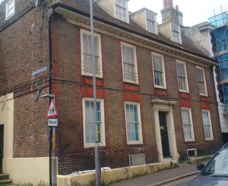 1 Bedroom Flat for sale in High Street, Ramsgate, Kent, CT11 9UA