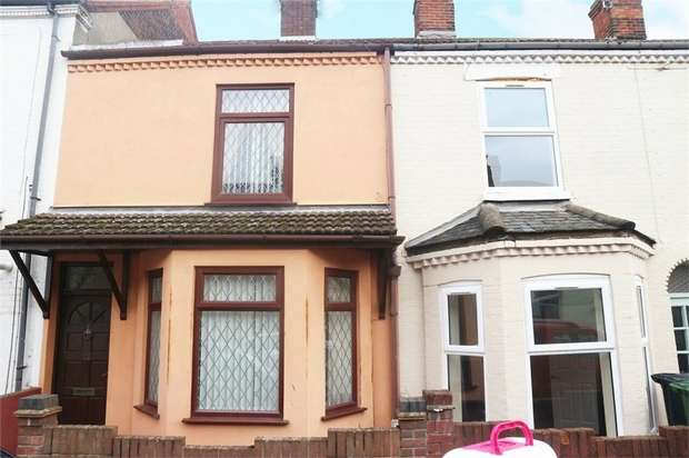 3 Bedrooms Terraced House for sale in Lichfield Road, Great Yarmouth, Norfolk