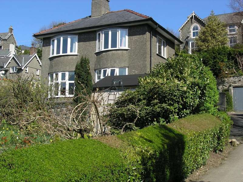 3 Bedrooms House for sale in Barmouth Road, Dolgellau, LL40