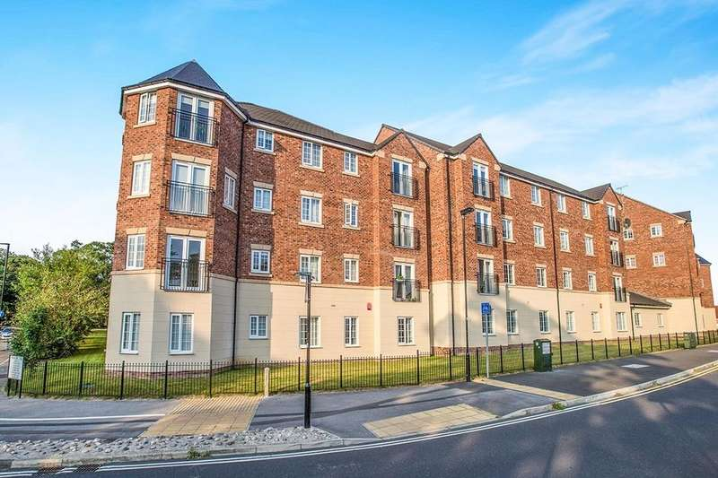 2 Bedrooms Flat for rent in College Court, Dringhouses, York, YO24