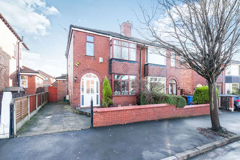 3 Bedrooms Semi Detached House for sale in The Circuit, STOCKPORT, SK3