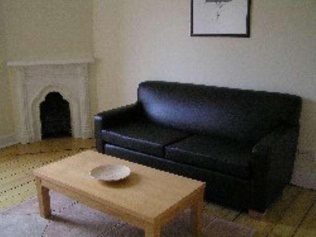 4 Bedrooms Flat for rent in Easter Road, Edinburgh,